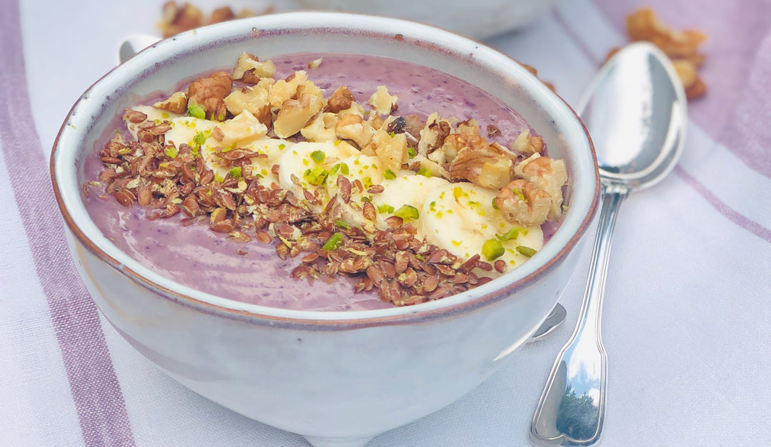 Brainpower-Smoothie-Bowl mit viel Omega-3
